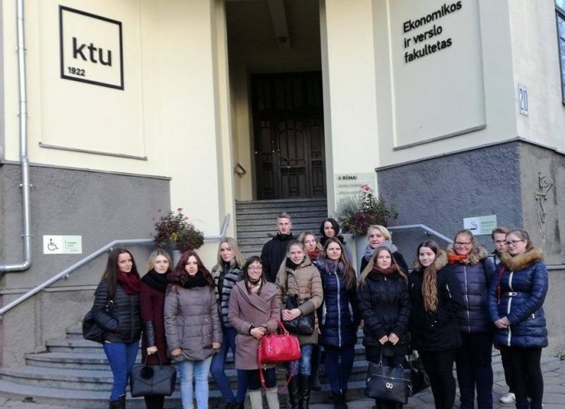 Studentų vizitas vienintelėje Baltijos šalyse finansų ir rinkų laboratorijoje