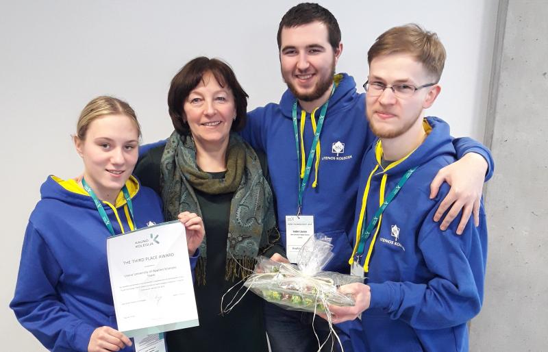 """Iš tarptautinio konkurso ,,Maisto technologas 2019"""" studentai parvežė III-ąją vietą"""