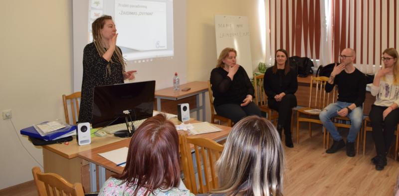 Skubiosios medicinos pagalbos mokymų dalyviai mokėsi gestų kalbos