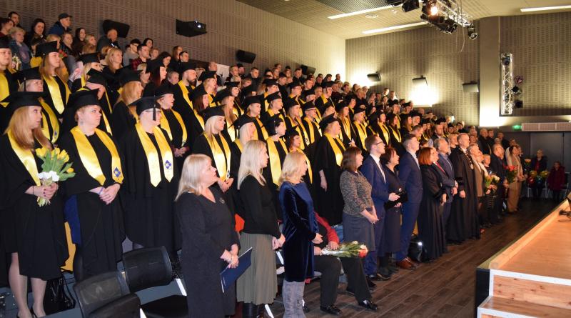 Įteikti diplomai Medicinos fakulteto studentams